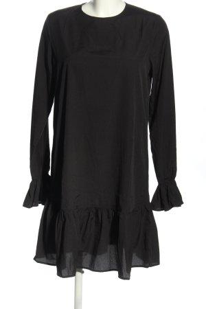 Nakd Vestido camisero negro look casual