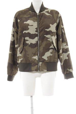 Nakd Bomberjacke Camouflagemuster Street-Fashion-Look