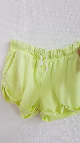 Neon-Gelbe Shorts