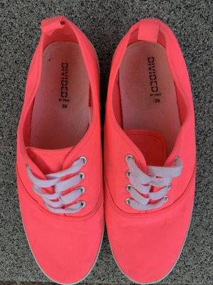 Neonfarbene Schuhe