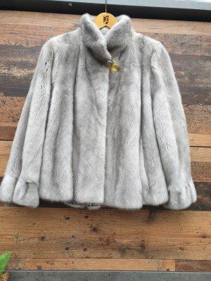 Veste de fourrure argenté-gris clair