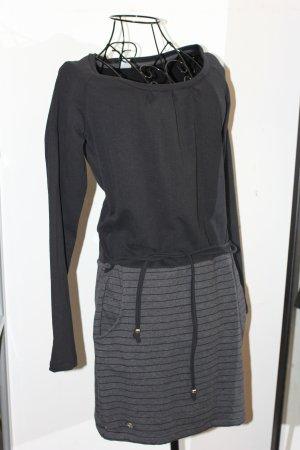 Neskia Dress - Jerseykleid von Mazine