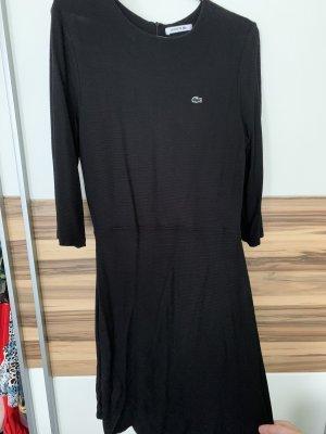 Nette Lacoste Kleid