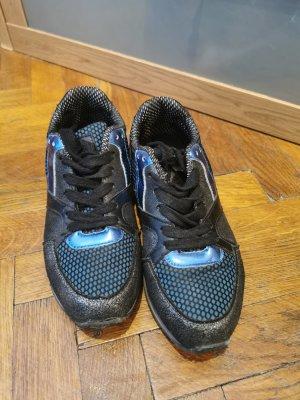 nette Sneakers