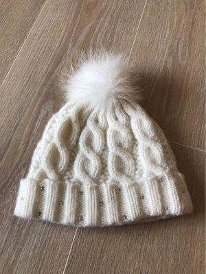 Nette Wintermütze mit Steinchen