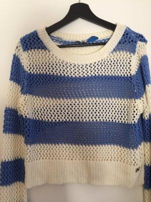 Szydełkowany sweter biały-stalowy niebieski