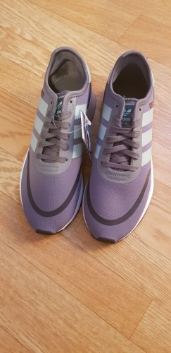 Neu Adidas Sneaker