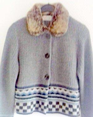 NEU - BASSET -Strickjacke mit Kragen aus Kaninchenfell - Gr.40
