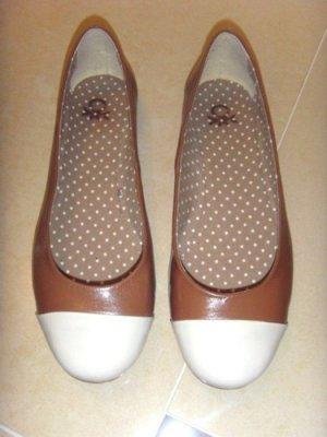 Benetton Patent Leather Ballerinas white-brown leather