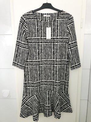 Betty & Co Flounce Dress black-white