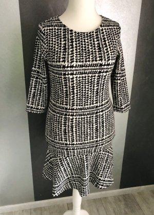Betty & Co Flounce Dress black-natural white