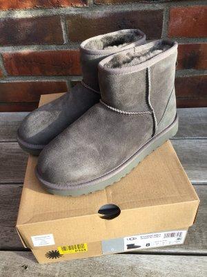 NEU Boots UGG Gr. 39 Classic Mini II grau Stiefellette