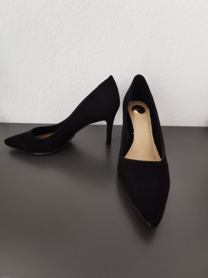 Buffalo Pointed Toe Pumps black