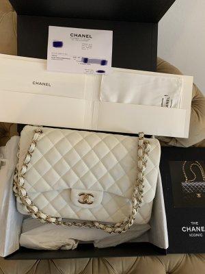 NEU chanel Caviar jumbo white flap bag