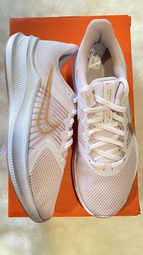 Nike Chaussure skate rosé