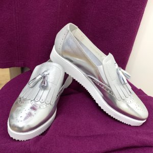 NEU - Damen sneaker / plateau Schuhe echtes Leder Silber -Weiß v Pazolini Gr. 40, made in