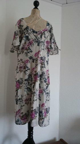 Neu, doppellagges Kleid, Größe 52