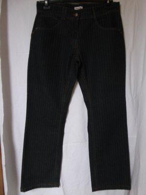 NEU: Dunkle Nadelstreifen-Jeans von Young Spirit
