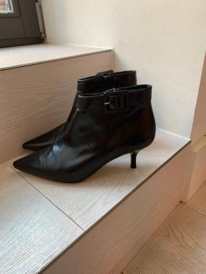 Russel & Bromley Ankle Boots black leather