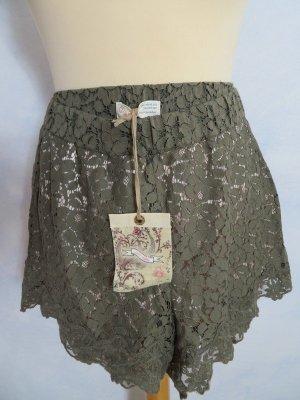 NEU + Etikett:  Odd Molly Khakifarbene Spitzen Shorts - super sexy - Gr. 2 - S bis M - Rosé gefüttert