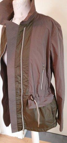 Neu! Etikett! sportlich elegante Jacke von Peuterey, Gr. 40