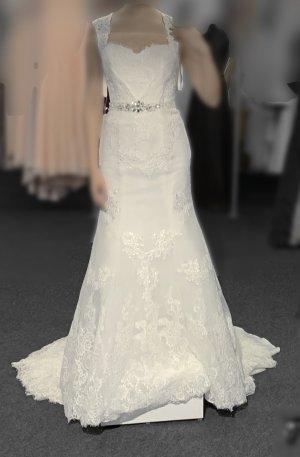Wedding Dress white mixture fibre