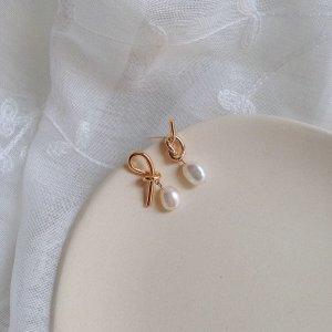 Neu goldene Knoten Ohrringe mit echten Barock Perlen