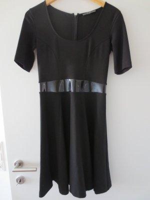 NEU Guess Kleid, schwarz, Gr. 36, knielang, Rundausschnitt