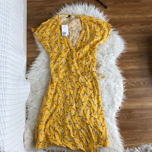 NEU H&M Sommerkleid 36 wickel blumen floral chabby blog boho Wickelkleid Gelb