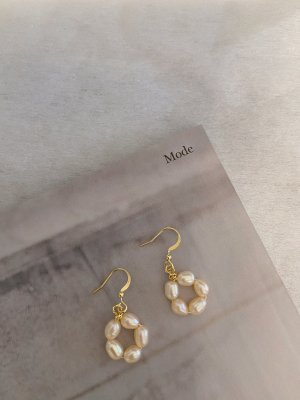 Pearl Earring white
