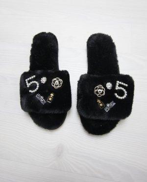 Pantuflas negro-blanco