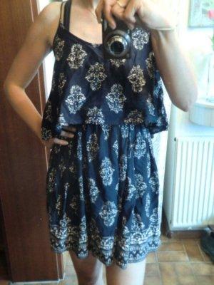 NEU Hollister Kleid 100% Viskose Ethno Muster Print Sommerkleid dress