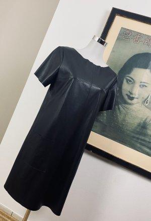 Hugo Boss Robe en cuir noir