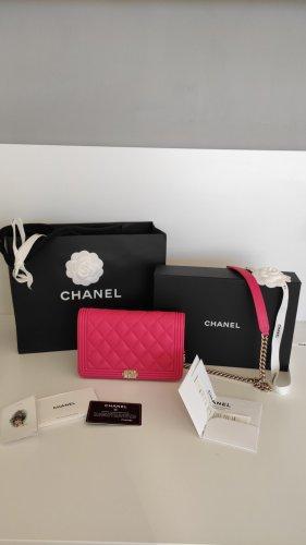NEU in OVP Chanel WOC Boy Kaviarleder, Pink Rosa, Gold Hardware, Pochette Crossbody Clutch