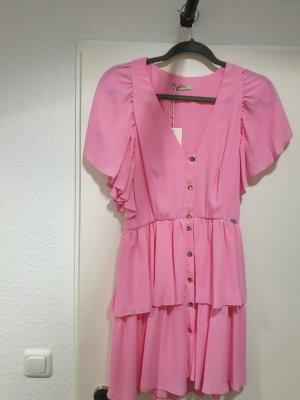 Neu Kleid