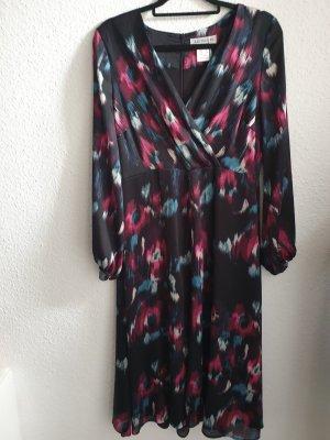 Neu Kleid von Artigiano.  Gr. 38