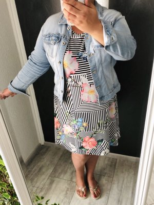 NEU • Kurzarm-Kleid • Blüten & Schmetterlinge