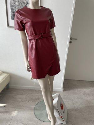 0039 Italy Robe en simili rouge foncé