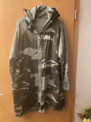 0039 Italy Długa kurtka khaki-beżowy