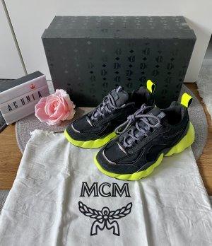 MCM Sneakers met veters zwart-neongeel