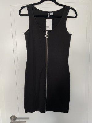 NEU MIT ETIKETT: Enges schwarzes T-Shirt Kleid mit silbernem Reißverschluss vorne von H&M