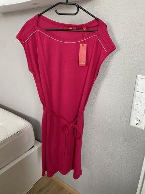 NEU mit Etikett: Kleid von s.Oliver in Gr. M/38
