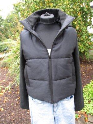 Neu mit Etikett - Reserved Winter Jacke schwarz -