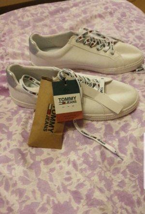 Neu mit Etikett Schuhe von Tommy Hilfiger Neu Nr.39