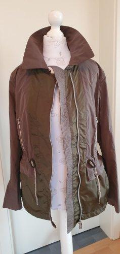 Neu! mit Etikett! sportlich elegante leichte Jacke von Peuterey, Gr. 36