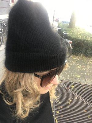 0039 Italy Bonnet noir cachemire