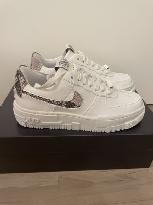 Neu Nike Air Force 1 Pixel snakeskin Gr. 39