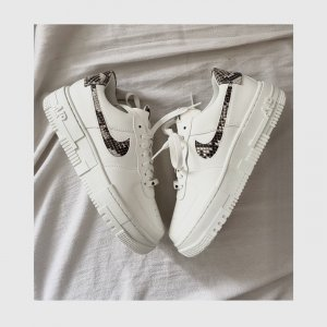 **NEU** Nike Air Force Pixel 1 SE Snakeskin White Sail