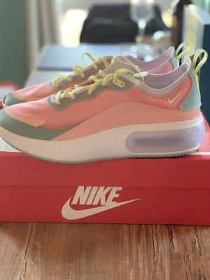 NEU Nike Air Max Dia SE Sneaker Gr. 42,5