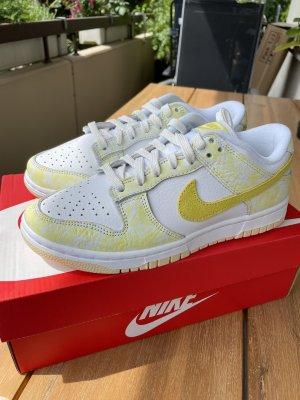 Neu Nike Dunk low yellow strike Gr. 37,5